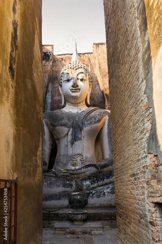 Fotografie, Obraz  Buddhafigur im Historical Park von Sukhothai