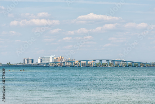 Valokuvatapetti Sanibel Island, USA Bay during sunny day with toll bridge causeway bridge highwa