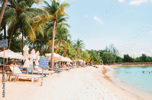 Photo  Coastline Siloso Beach on Sentosa island resort in Singapore