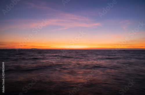 Poster Bordeaux Sunset sky background.
