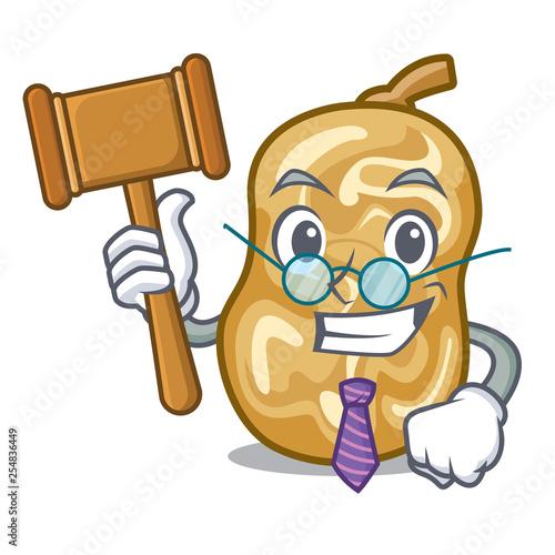 Fényképezés  Judge raisins above the wooden cartoon table
