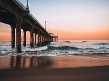 Dawn On Manhattan Beach Pier In Los Angeles