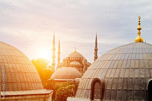 Cuadros en Lienzo ramadan exterior features domes minarets Ottoman architecture Istanbul, Turkey