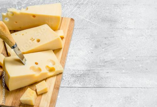 Fototapeta Fresh cheese on the chopping Board. obraz