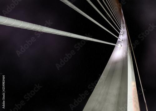 Plano cerrado de puente de metal moderno.Escena nocturna Canvas Print