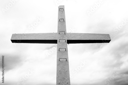 Fotografie, Obraz  Cruz e escada