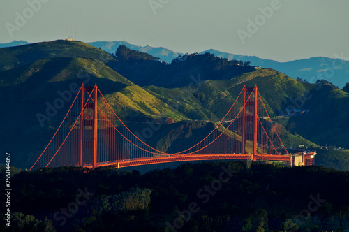 Photo  Morning Light on the Golden Gate Bridge