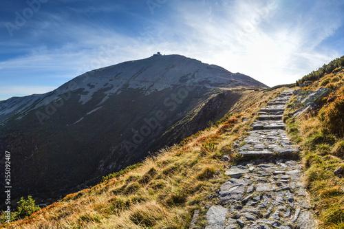 Fototapeta Trail to the highest peak of Lower Silesia - Sniezka Mountain in Karkonosze/Poland obraz