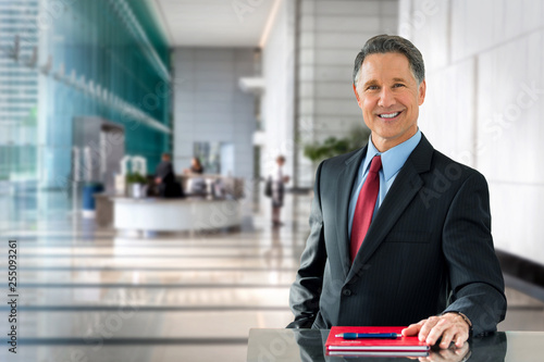 Fotografija Corporate banking advisor, professional investment manager, businessman, greetin