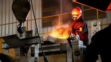 Shooting Of Smelting Of Cast I...
