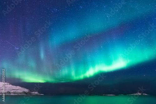 Poster Antarctique Panorama bunte Nordlichter im Norden, Norwegen
