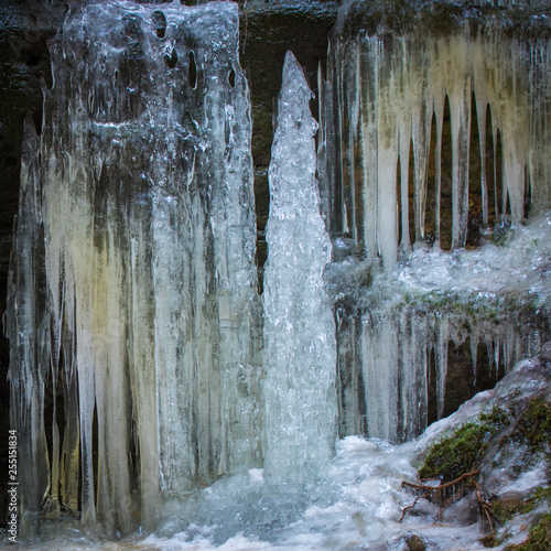 Fototapeta  ice, icicles in water