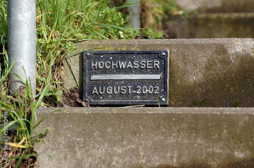 Tela Erinnerung Schild Hochwasser 2002 in Deutschland