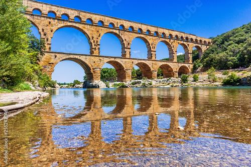 Obraz na płótnie Nimes, France. Pont du Gard.