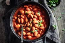 Tasty Baked Beans With Garlic ...