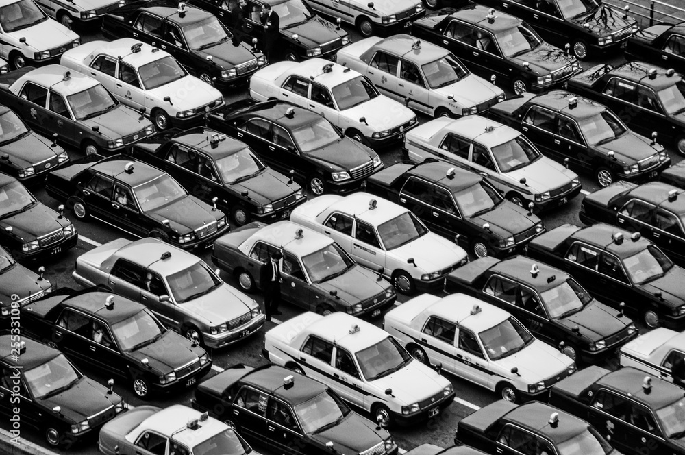 Fototapeta Many taxis waiting for customers at a station
