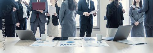 Obraz ビジネスグループ - fototapety do salonu