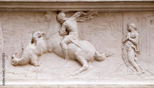 Photo Saint George freeing the Princess by Donatello, Orsanmichele Church in Florence,