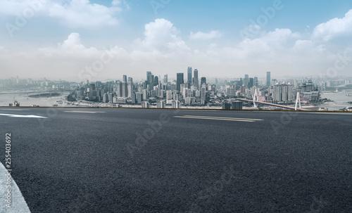 Spoed Foto op Canvas Grijze traf. Urban Road, Highway and Construction Skyline