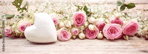 Blumenstrauß Rosen Hintergr...