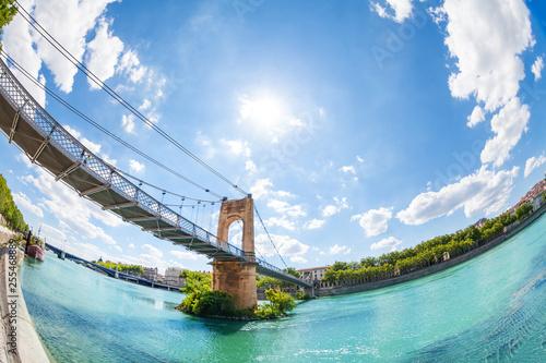 Foto  Passerelle du College bridge over Rhone in Lyon