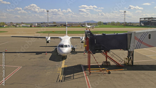 Fotografia, Obraz Turboprop Airplane Dock