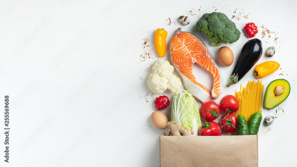 Fototapety, obrazy: Supermarket. Paper bag full of healthy food.