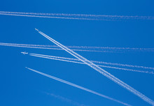 Multiple Aircraft In The Sky W...