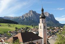 Parrocchia Di Castelrotto & The Dolomites