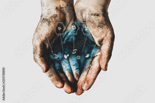 Pinturas sobre lienzo  Hands of a child with dirty water