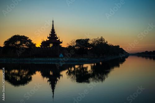 Fototapeta Amazing Sunset in Mandalay, Myanmar (Burma)