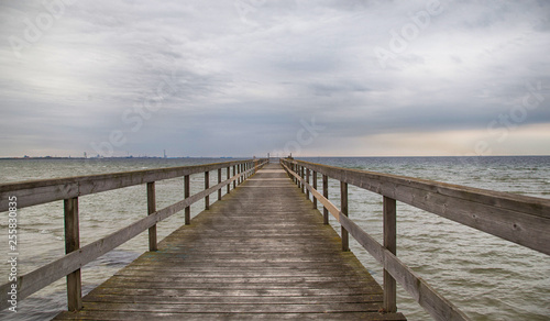 Foto op Plexiglas Panoramafoto s Pier on the sea