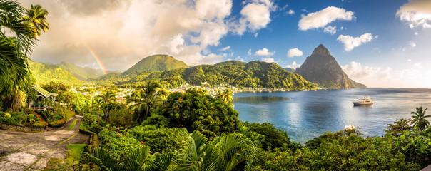 Sveta Lucija - Karipsko more s pitonima i dugom