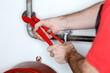 Rohr in der Heizung montieren