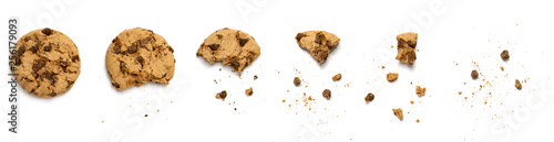 фотография Different stages of eaten cookie isolated on white background