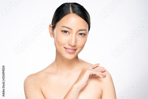 Küchenrückwand aus Glas mit Foto womenART Beautiful Young asian Woman with Clean Fresh Skin