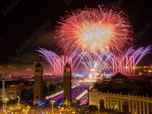 Valokuvatapetti Fuegos Artificiales en Barcelona