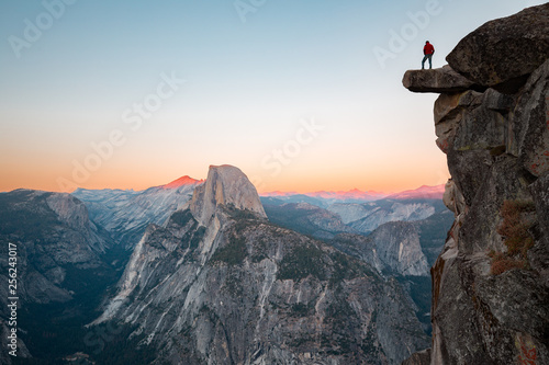 Hiker in Yosemite National Park, California, USA Slika na platnu