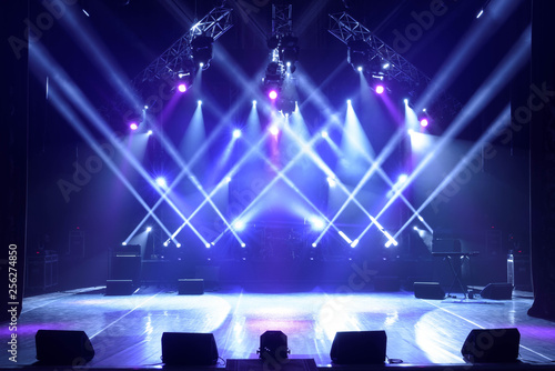 Free stage with lights, lighting devices. - 256274850