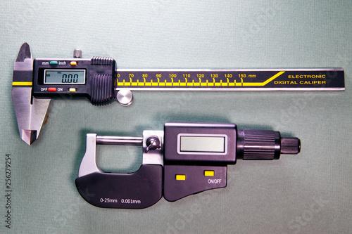 Foto op Aluminium digital caliper and a digital micrometer..