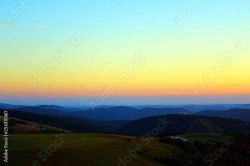 Photo sur Toile Bleu clair coucher de soleil sur la montagne vosgienne depuis le sommet du hohneck