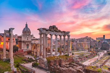 Obraz na Szkle Miasta Ancient ruins of Roman Forum at sunrise, Rome, Italy