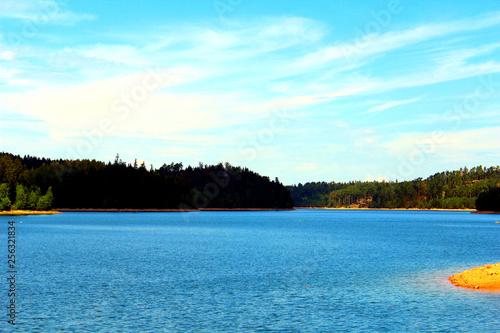 Photo sur Toile Bleu clair le lac de pierre percee sous le soleil des vosges