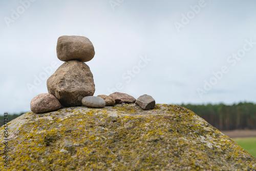 Photo sur Plexiglas Zen pierres a sable Aufgestapelte Steine