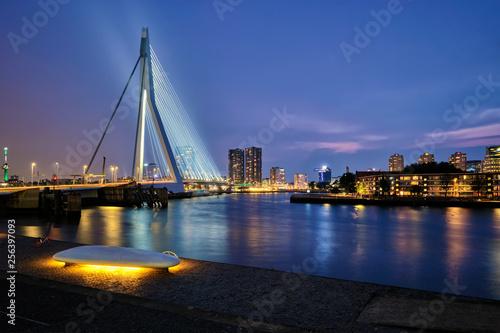 Foto auf AluDibond Rotterdam Erasmus Bridge, Rotterdam, Netherlands