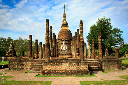 Fotomural Sukhothai Historical Park In Thailand, Buddha statue, Old Town,Tourism, World Heritage Site, Civilization,UNESCO