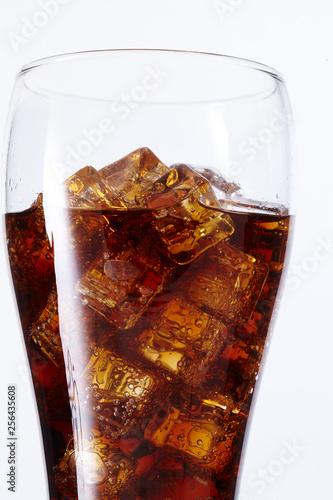 Fototapeta  cola with ice cubes
