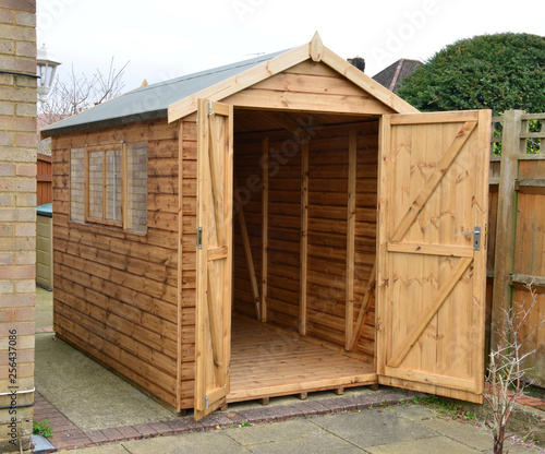 Fotomural High quality garden shed.