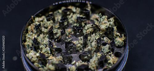 Photographie Metal grinder for marijuana. Marijuana recreational use
