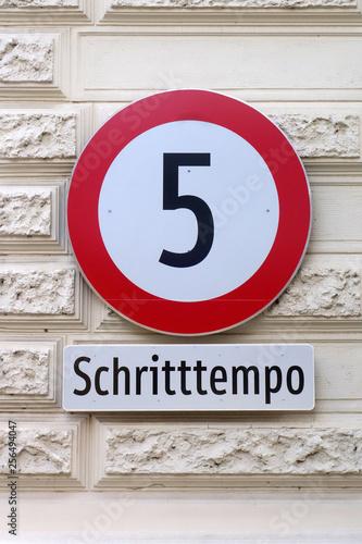 Fotografía  Schritttempo 5 km/h